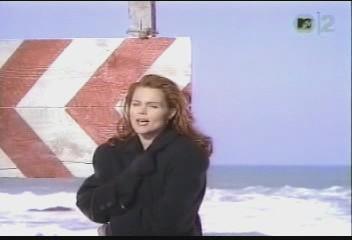 belinda-carlisle-circle-in-the-sand-video-02