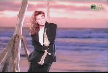 belinda-carlisle-circle-in-the-sand-video-09