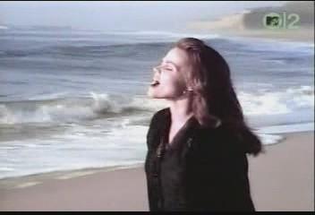belinda-carlisle-circle-in-the-sand-video-11