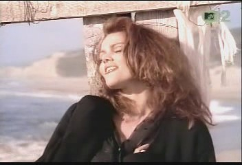 belinda-carlisle-circle-in-the-sand-video-12