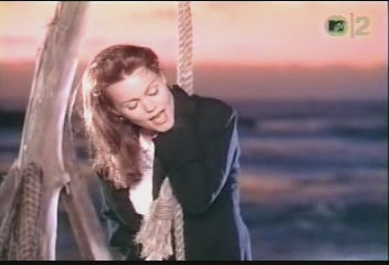 belinda-carlisle-circle-in-the-sand-video-15