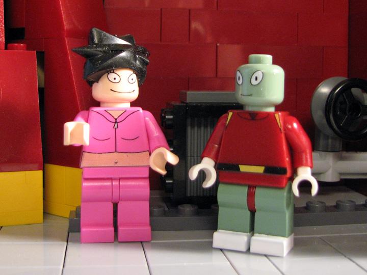 futurama-lego-planet-express-kiff-amy