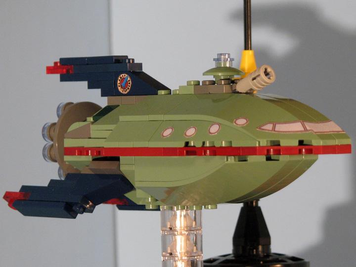 futurama-lego-planet-express-nave