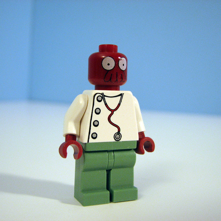 futurama-lego-planet-express-zoidberg-1