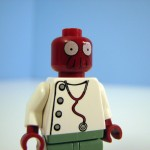 futurama-lego-planet-express-zoidberg-2