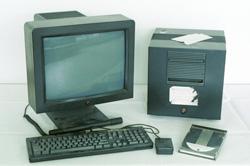 next-computer-ordenador-tim-berners-lee-1990-microcosm