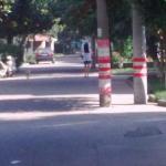 Ilusión óptica para hombres: morena en la carretera