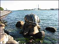 little-mermaid-copenhagen-denmark-tirada-mar-2003