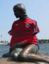 sirenita-dinamarca-copenhague-futbol