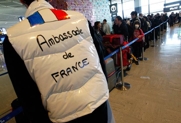 evacuados earopuerto francia radiacion vuelo japon 2011