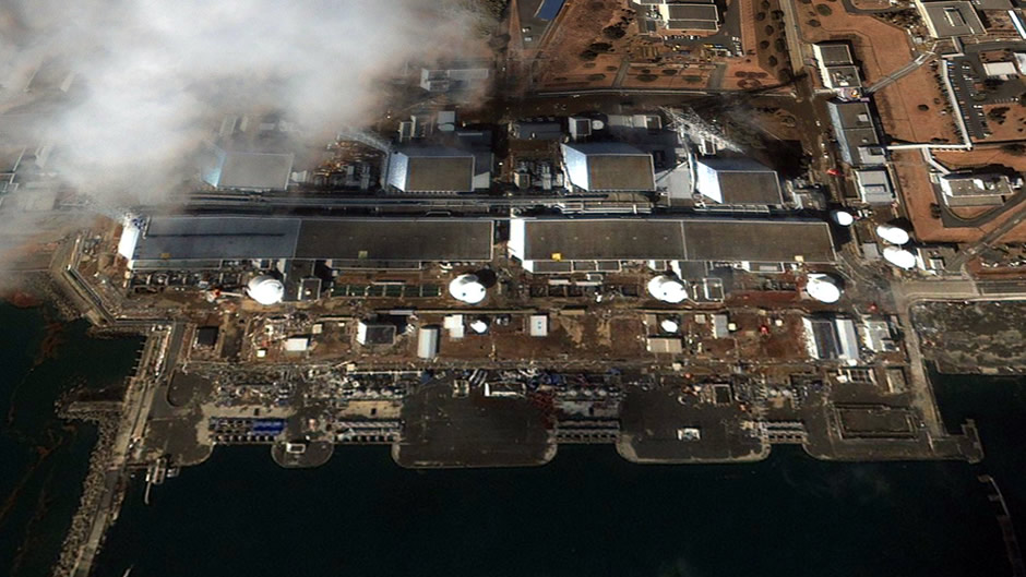 image-japan-satellite-tsunami-fukushima-nuclear-plant-after