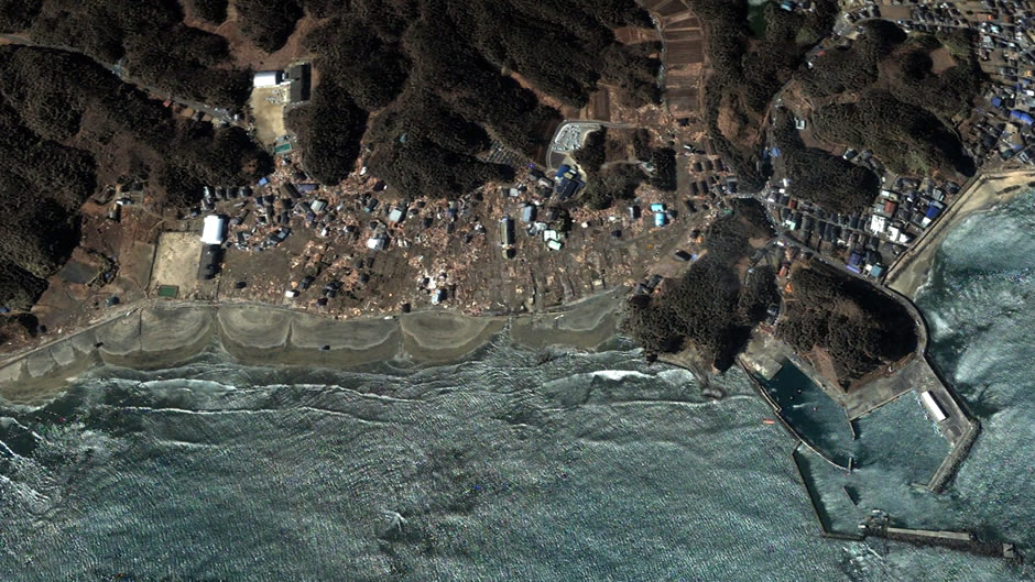 image-japan-satellite-tsunami-iwaki-beach-after
