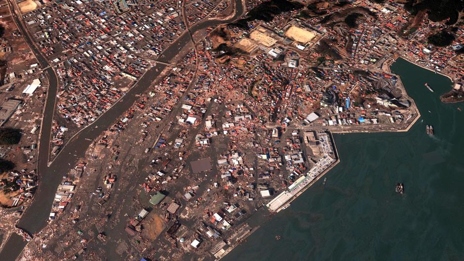 image-japan-satellite-tsunami-kesennuma-after