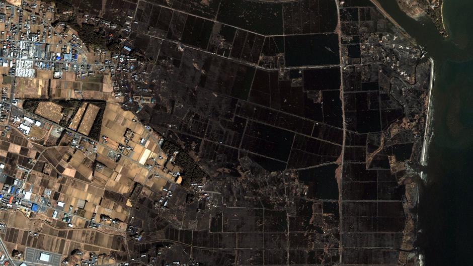 image-japan-satellite-tsunami-minamisoma-haranomachi-after