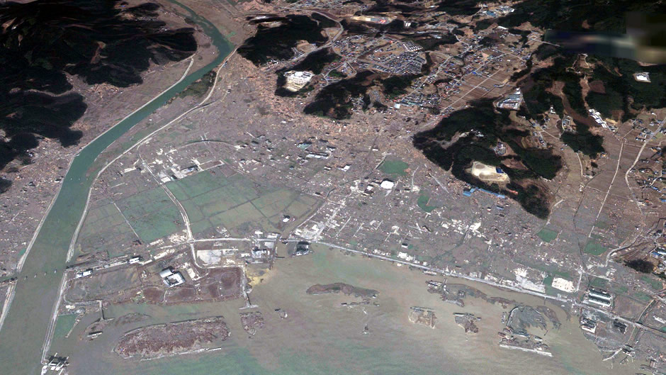 image-japan-satellite-tsunami-rikuzentakata-after