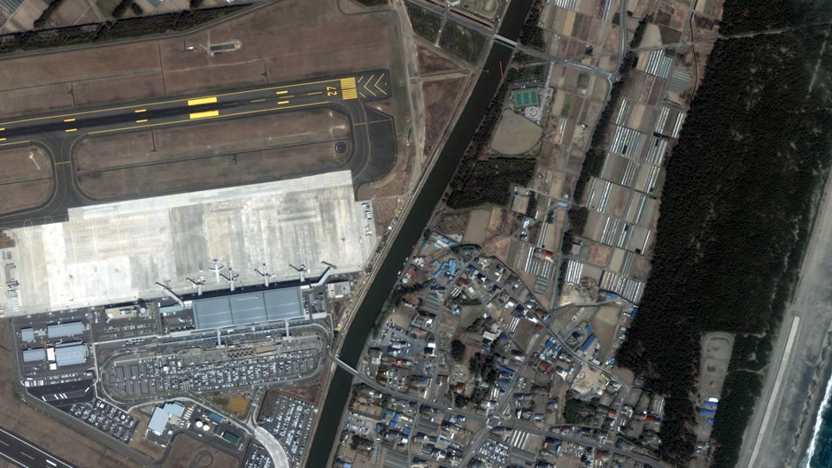 image-japan-satellite-tsunami-sendai-airport-before