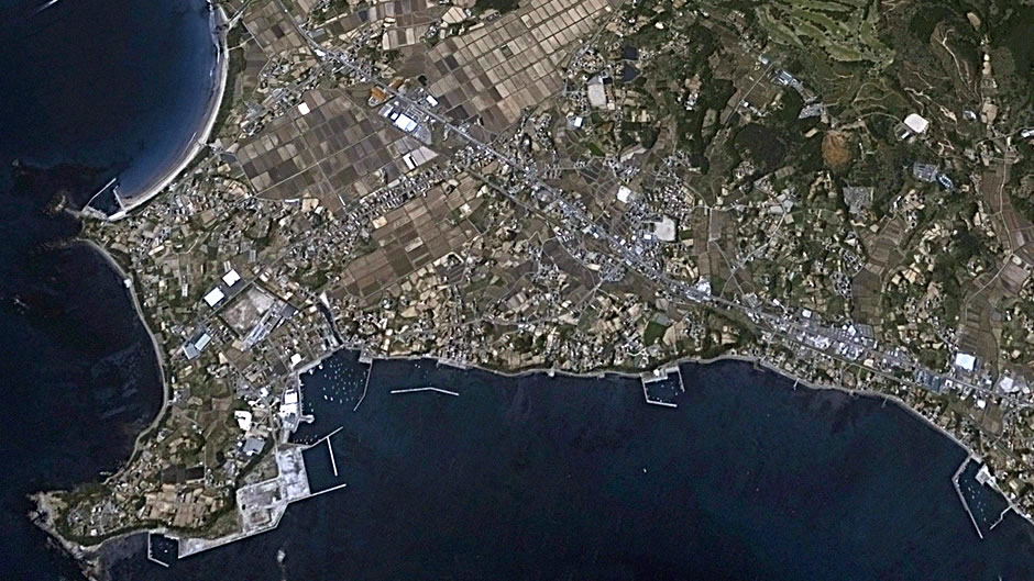 image-japan-satellite-tsunami-south-coast-kesennuma-before