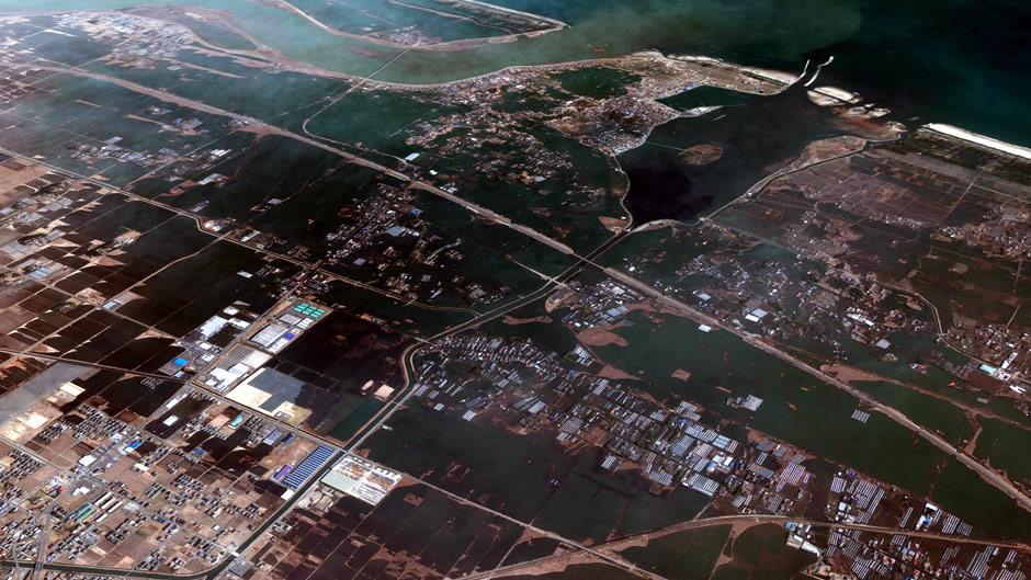 image-japan-satellite-tsunami-watari-after