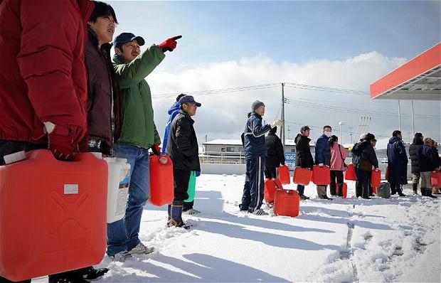 iwate combustible cola recoger japon terremoto