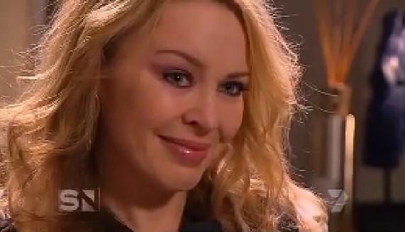 kylie minogue llorando llorar entrevista