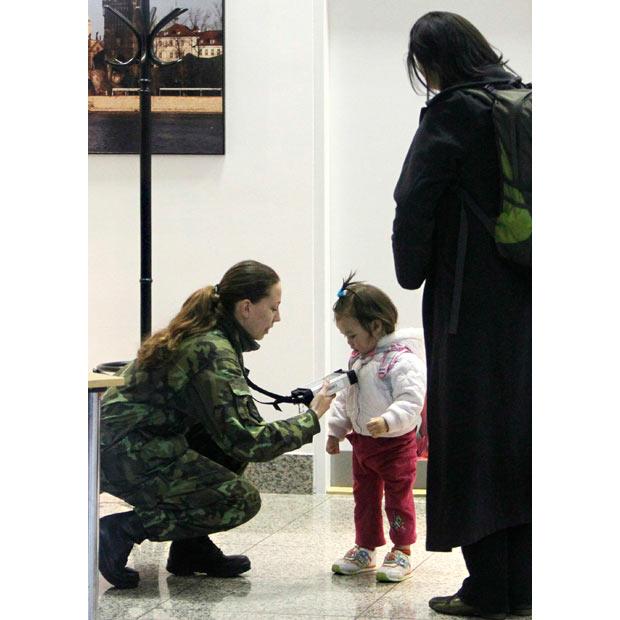 militar escaneo dosimetro radiacion japon 2011 terremoto