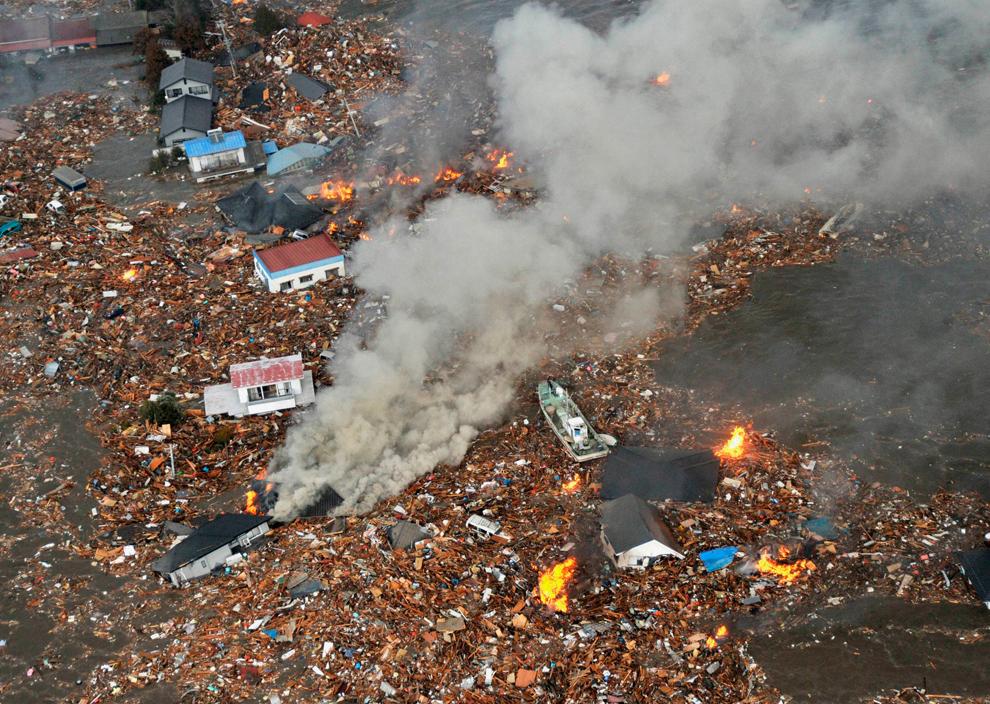 seismo japon 8.9 2011 tsunami sendai aeropuerto casas