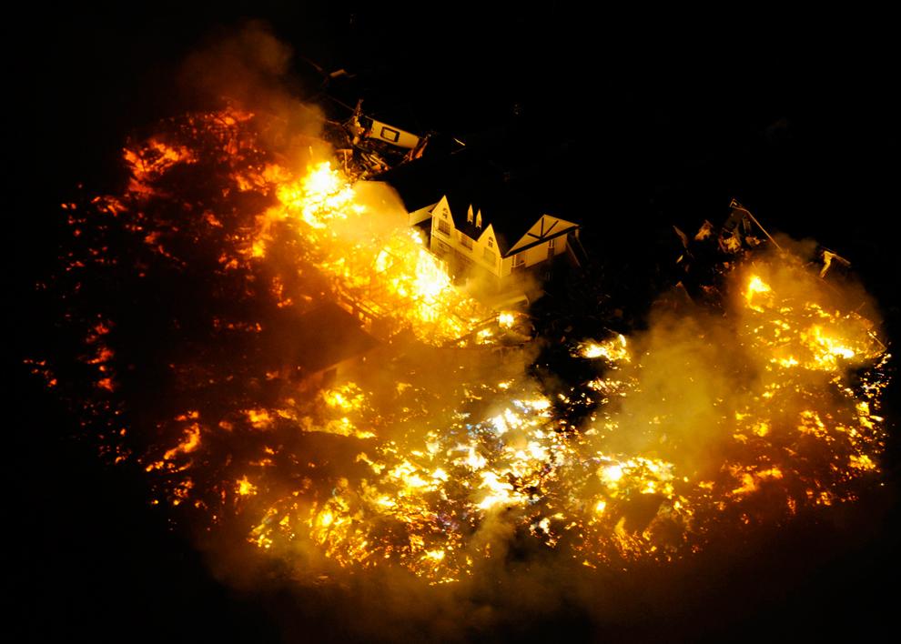 terremoto japon 8.9 2011 incendio casas llamas sendai