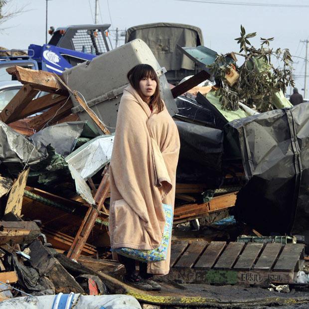 tsunami japon terremoto 2011 Ishinomaki Miyagi chica manta