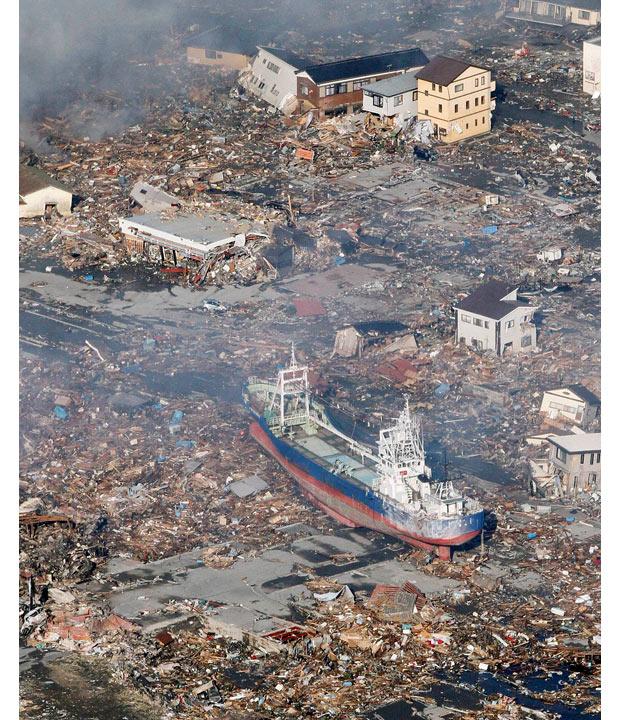 tsunami japon terremoto 2011 Kesennuma Miyagi barco