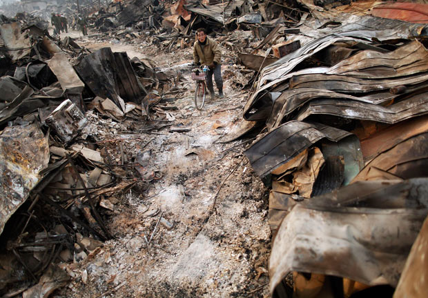 tsunami japon terremoto 2011 Otsuchi bicicleta hombre