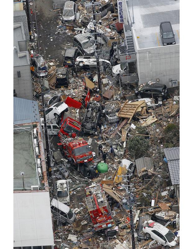 tsunami japon terremoto 2011 coches Kamaishi Iwate