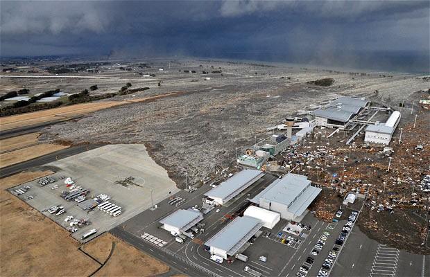 tsunami japon terremoto 2011 mar olas aeropuerto sendai