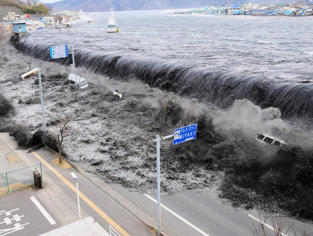 tsunami miyako rio hei japon terremoto 2011 puerto mar olas
