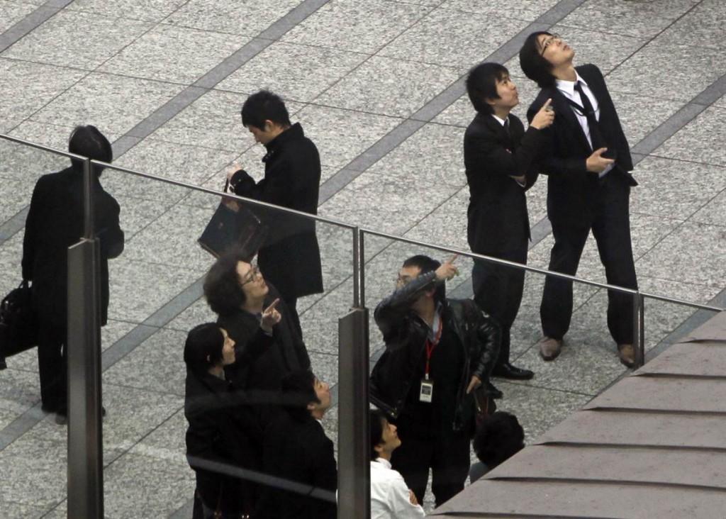 terremoto japon 11 2011 marzo personas calle