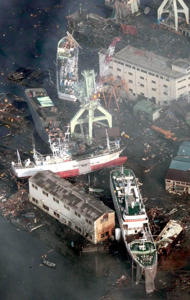 terremoto tsunami japon 2011 marzo 12 barcos kesennuma