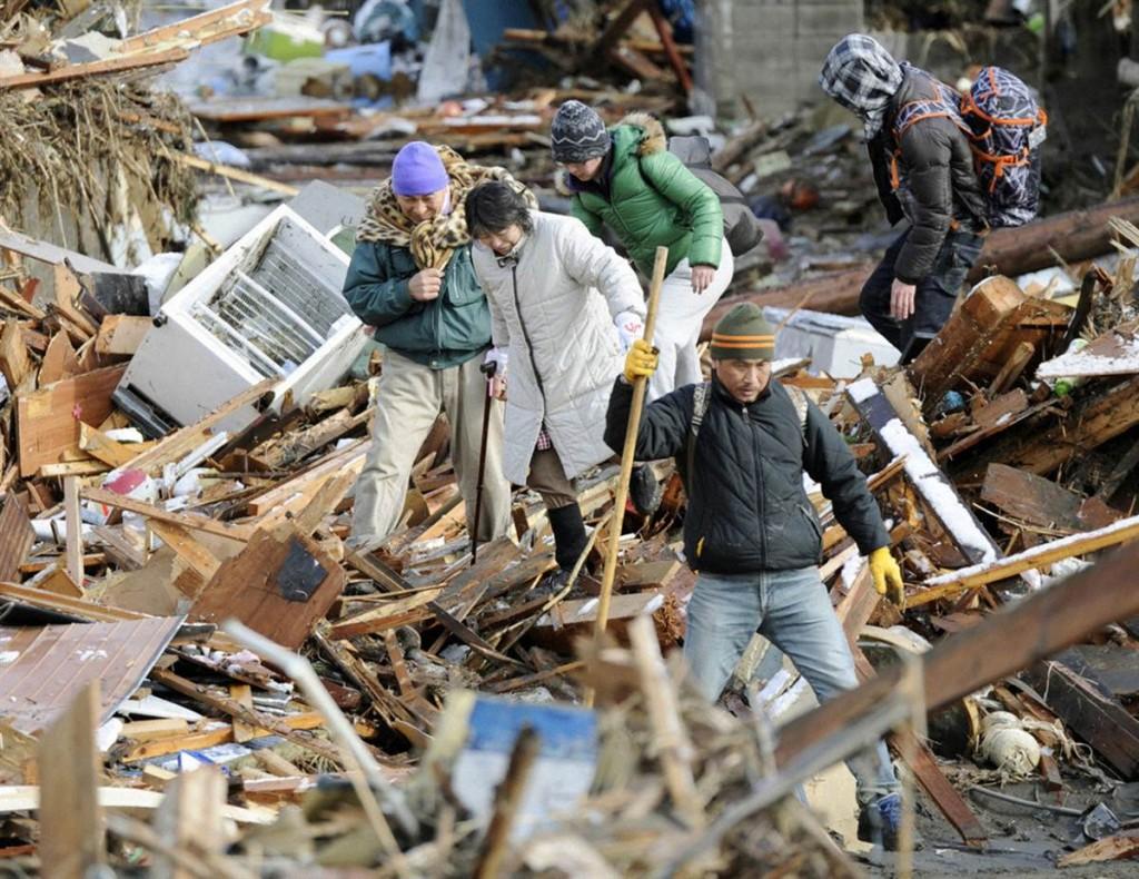 terremoto tsunami japon 2011 marzo 12 escombros casas