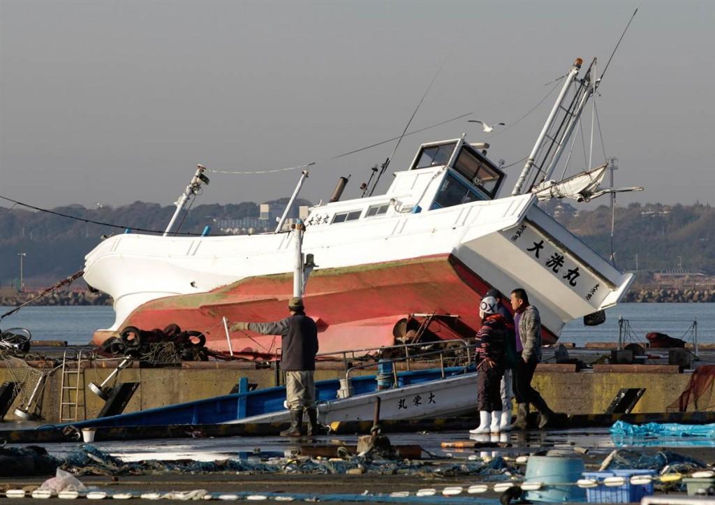 terremoto tsunami japon 2011 marzo 12 oarai pescadores barco