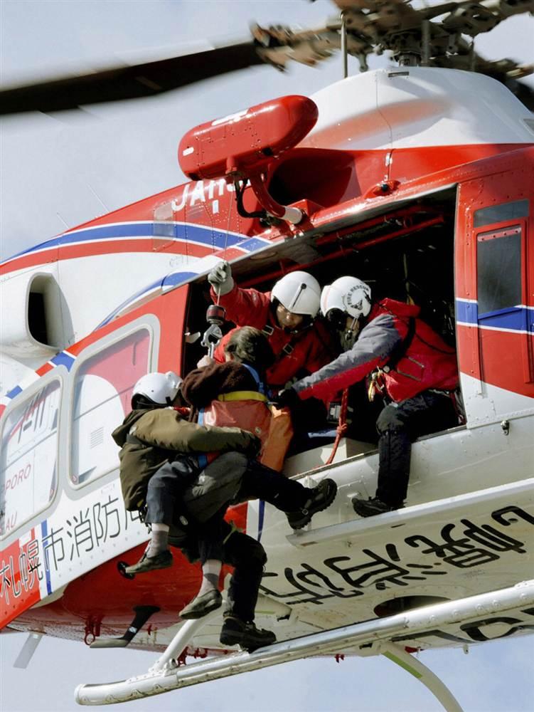 terremoto tsunami japon 2011 marzo 12 salvamento helicoptero