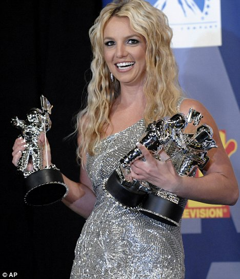 britney-spears-mtv-vma-mejor-video-ano