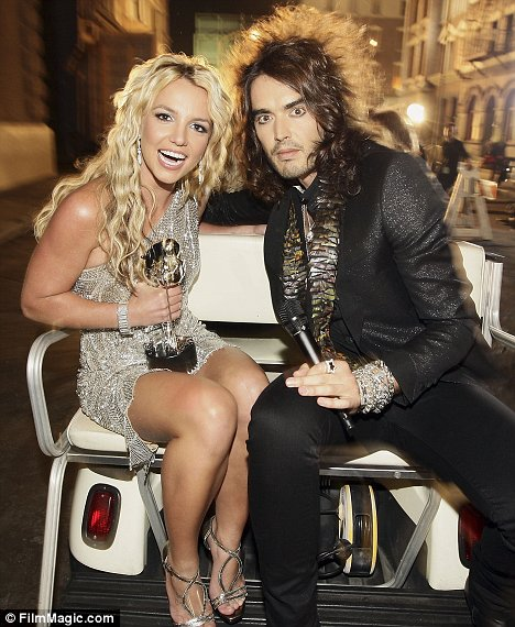 britney-spears-mtv-vma-russell-brand