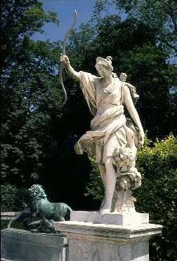 diana-artemisa-selene-estatua