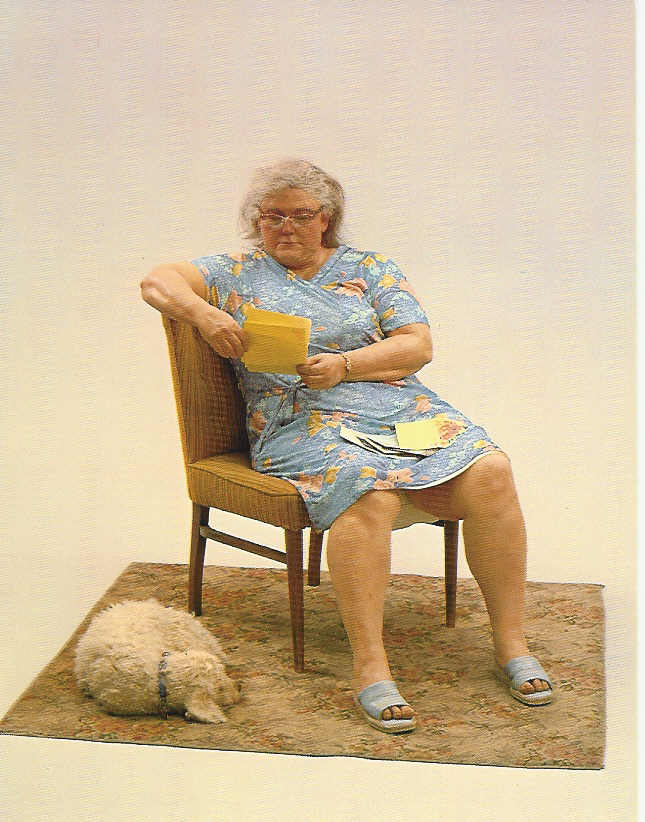 duane hanson escultura figura mujer perro