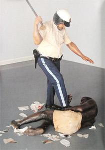 duane hanson escultura figura policia racismo