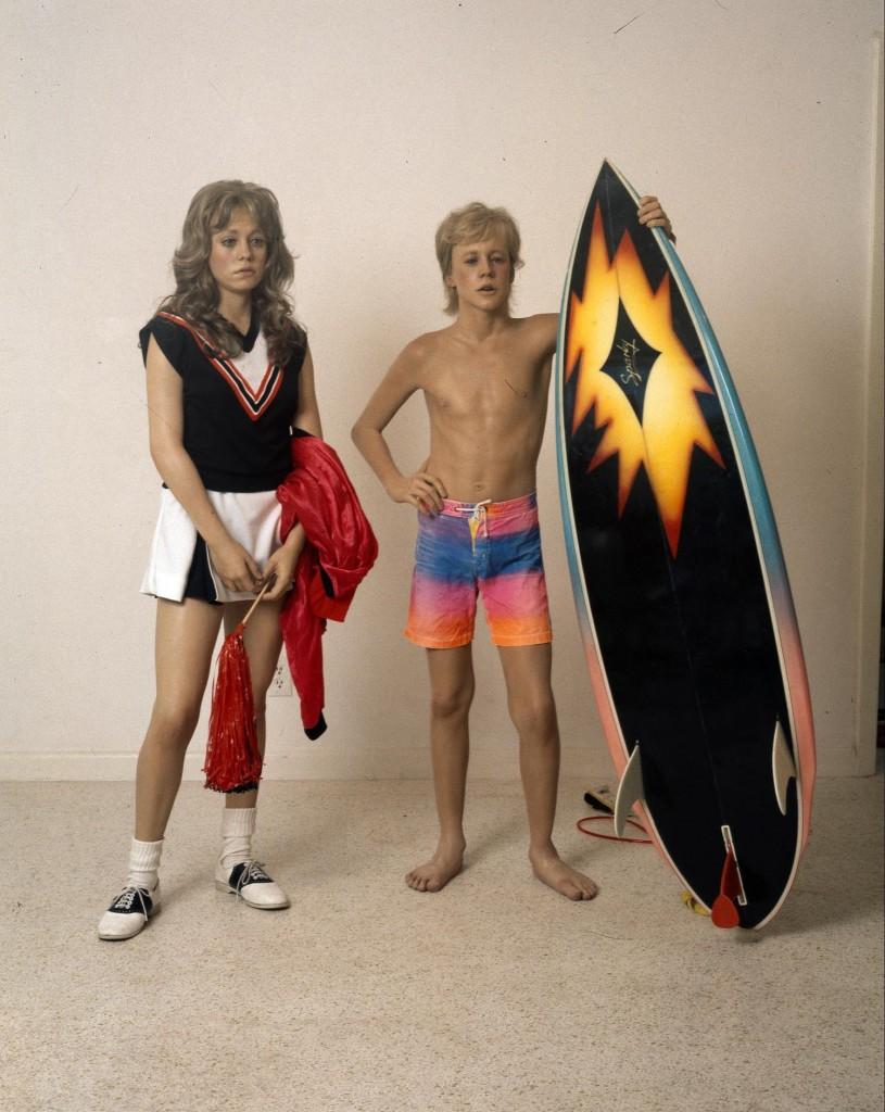 duane hanson escultura figura surfista animadora
