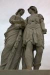 Estatuas hombre mujer