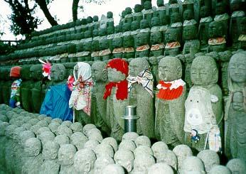 estatuas jizo figuras bebes japon