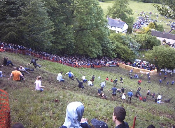 Cheese Rolling Race 29 mayo 2006
