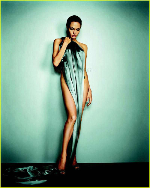 angelina-jolie-esquire-2007-verde-green