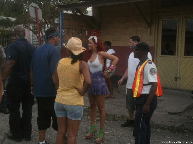 rihanna man down tras las camaras video