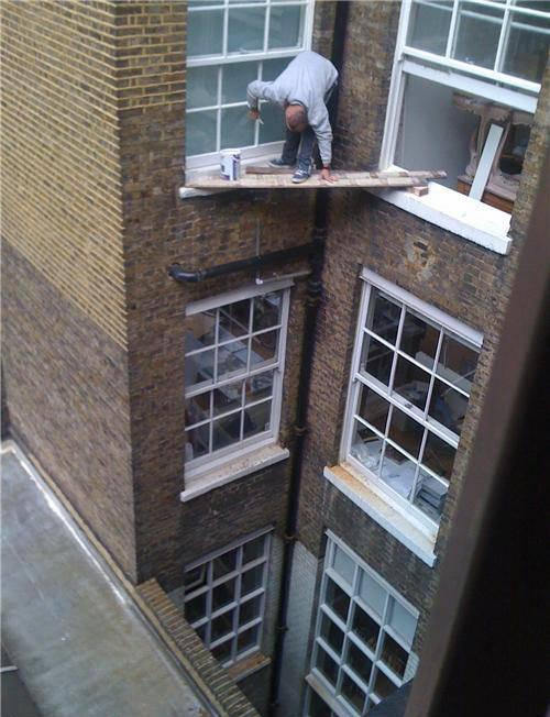hombre trabajando alturas riesgo